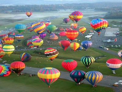 45th+Annual++Helen+to+the+Atlantic+Balloon+Race+%26amp%3B+Festival image